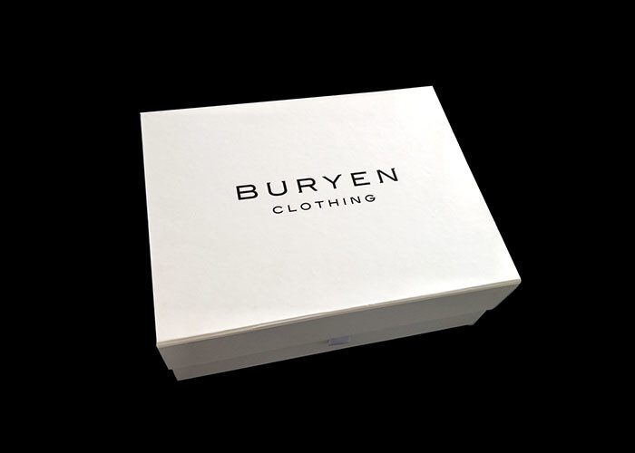 & Clothing Packaging Fold Up Gift Boxes Pantone Color Printed Optional